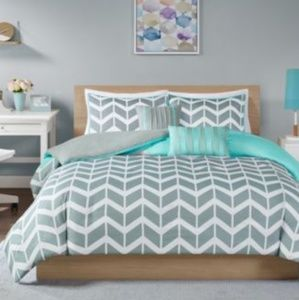 Other - JLA Homes Nadia 4pc Twin/Twin XL Duvet Set